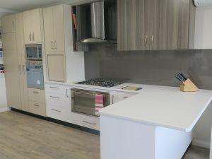 showroom Corowa, CHI home improvements, metaline splashback, integrated fridge, arborite tops and doors