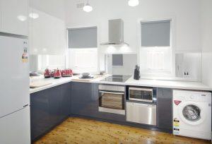 Small kitchens, B&B Corowa, mirrored splashback, Albury/Wodonga